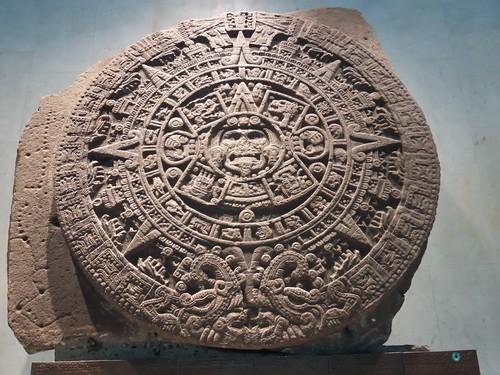 """Pedra do Sol (conhecida como """"calendário asteca"""")."""