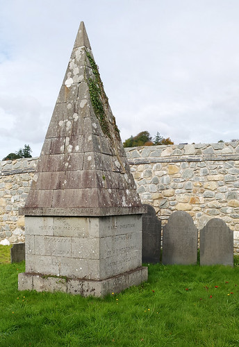 Pointed grave marker