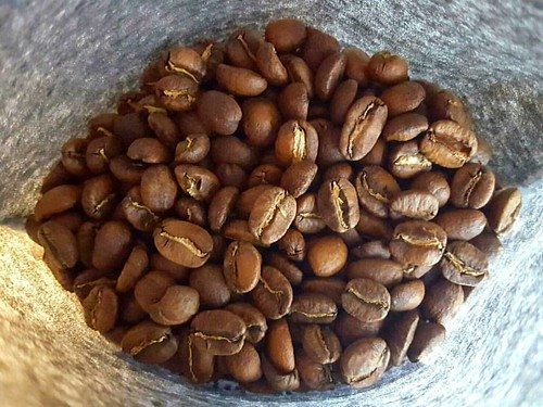 More Single Origin coffees roasted and ready for you! In the photo: Guatemala Antigua Finca Cabrejo. 🍂☕❤