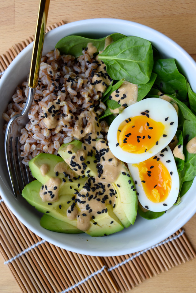 Farro, Avocado & Egg Breakfast Bowl with Miso Yogurt | www.rachelphipps.com @rachelphipps