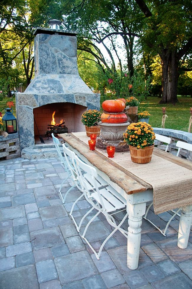 Cozy Fall Patio Decorating