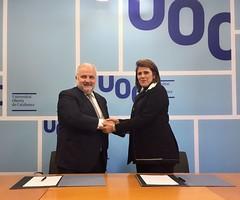 La Universidad firmó convenio con la Universitat Oberta de Catalunya
