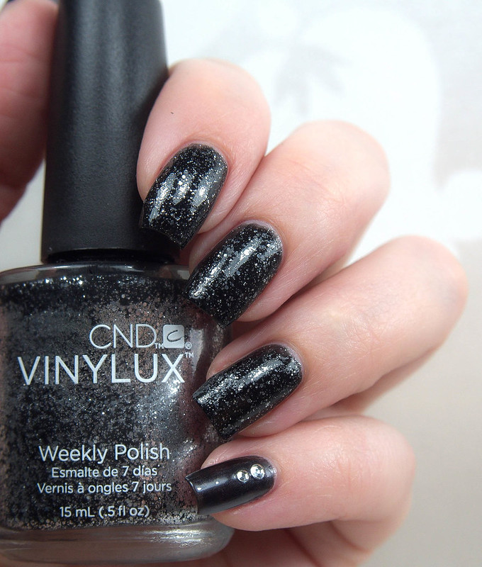 CND Vinylux Dark Diamonds