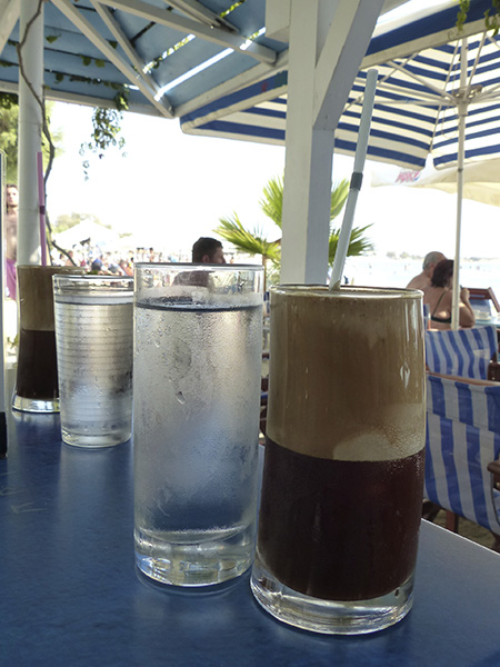 café frappé et eau glacé