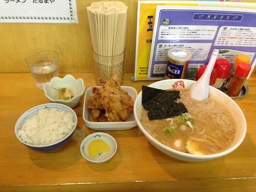 hokkaido-abashiri-ramen-darumaya-doro-ramen-fried-chicken-set