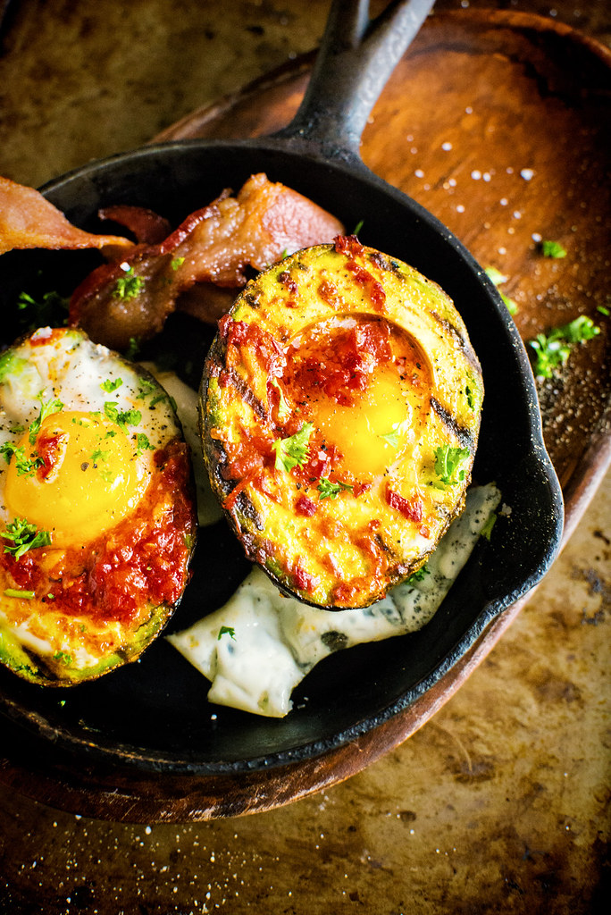 Whole 30 Grilled Harissa Avocado Baked Eggs