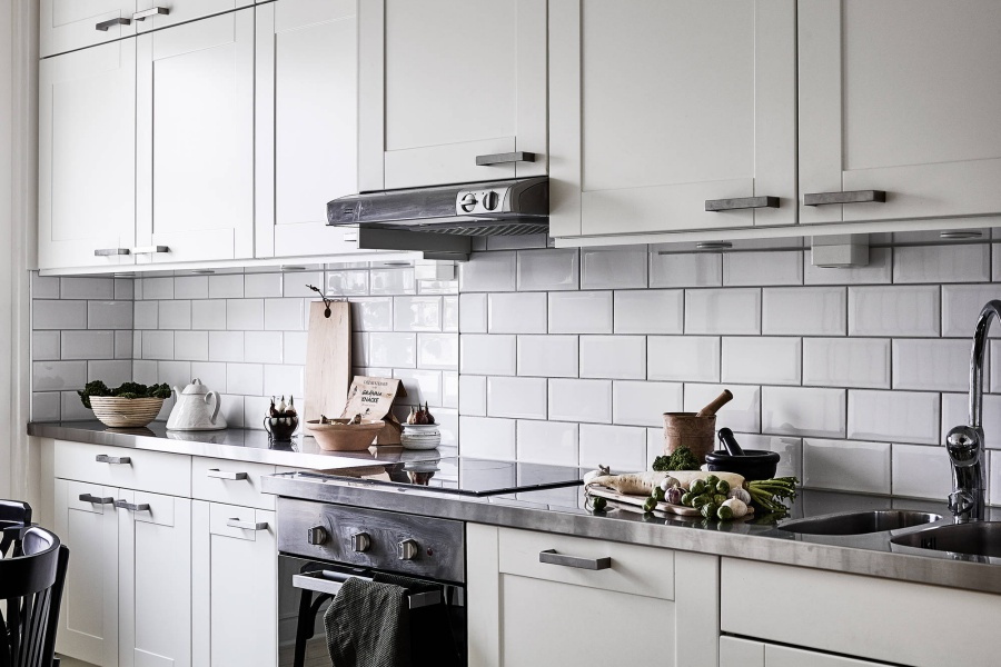 Black and White Scandinavian Kitchen Design
