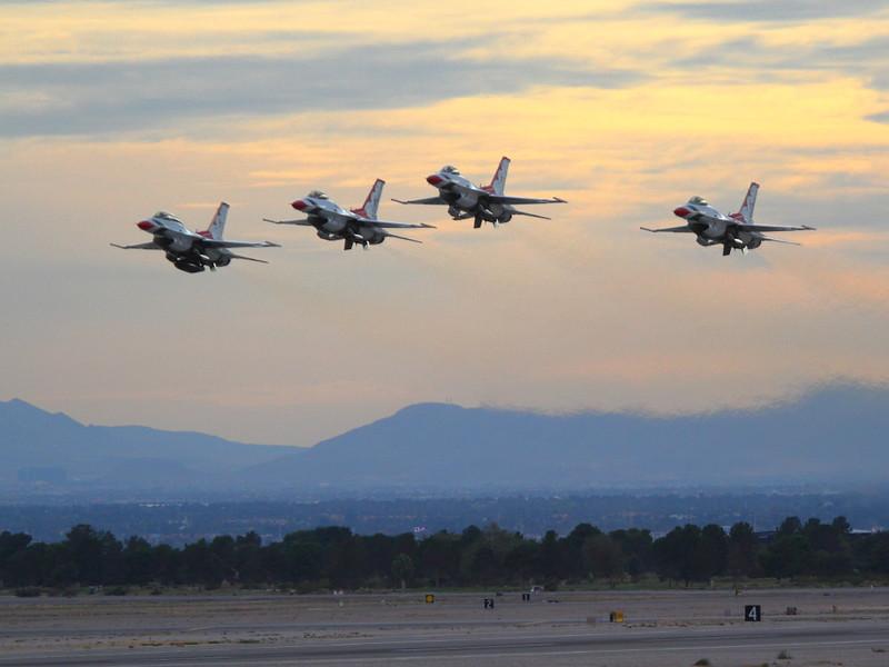 IMG_5217 Thunderbirds Taking Off
