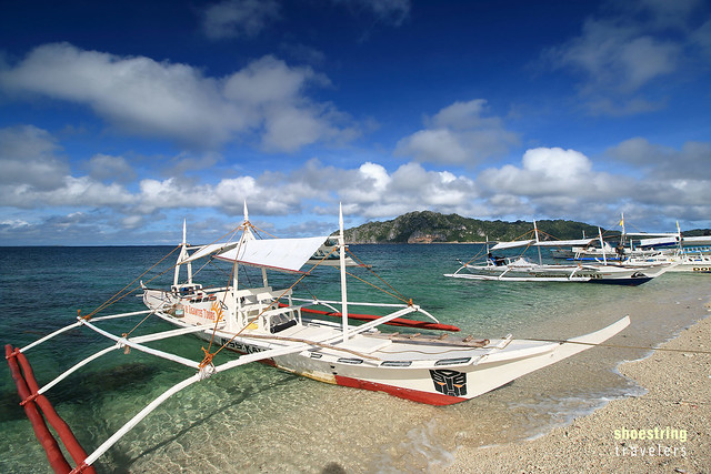 tour boats at the western beach, Cabugao Gamay Island