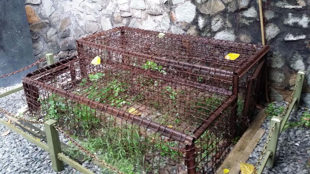 Ihmisten vangitsemiseen ja kiduttamiseen käytettyjä häkkejä War Remnants Museumissa