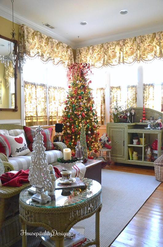 Christmas-Sunroom-Tree-Housepitality Designs