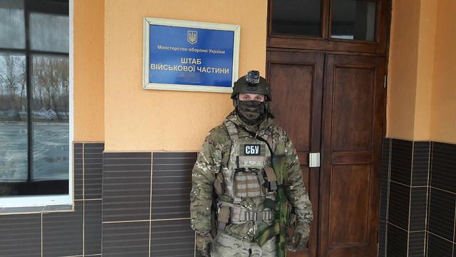 Керівництво однієї з військових частин на Житомирщині продавало пальне, призначене для АТО