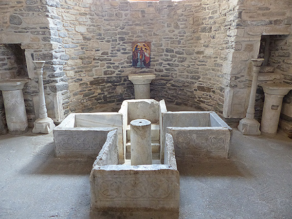 bassin baptistère