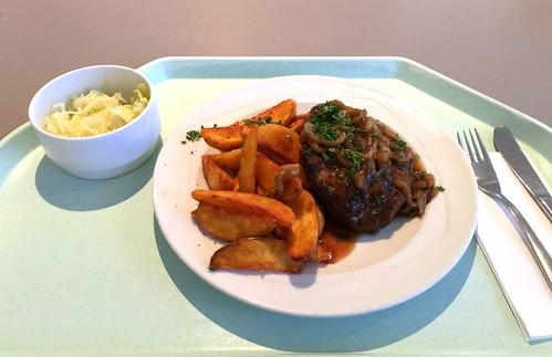 Holzfällersteak mit Schmorzwiebeln & Country Potatoes