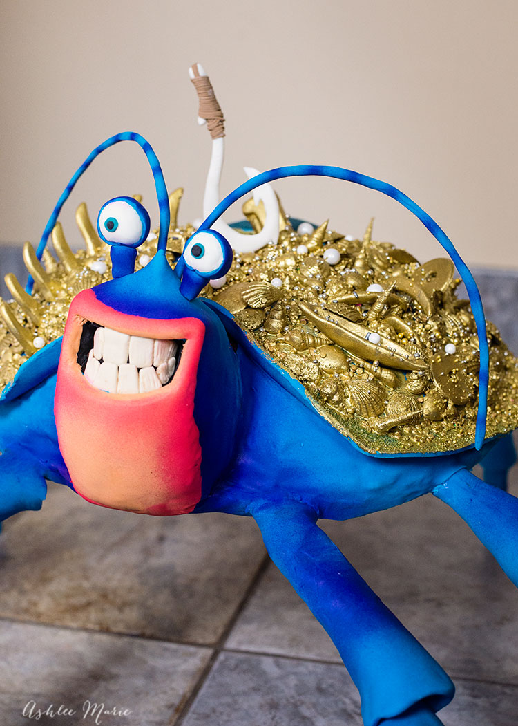 How to make a Tamatoa cake - He's a man eating crab from Disney's Moana - and he's a great singer!