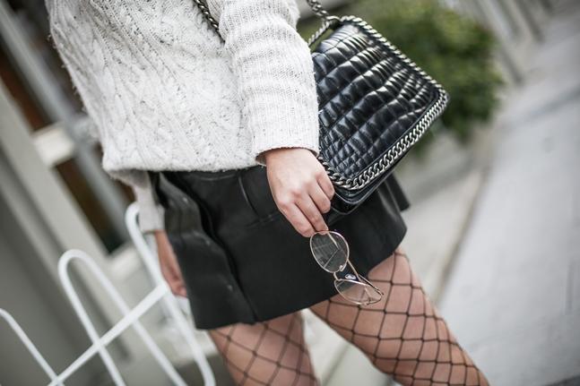 look tendencia medias rejilla falda abotonada botas terciopelo stradivarius myblueberrynightsblog7