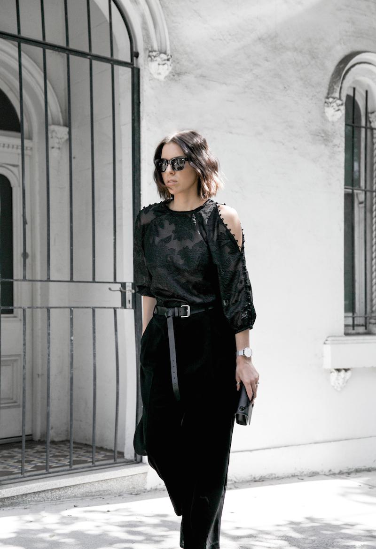 all black outfit inspo minimal fashion blogger modern legacy loafer mules karen millen shoulder blouse (6 of 9)