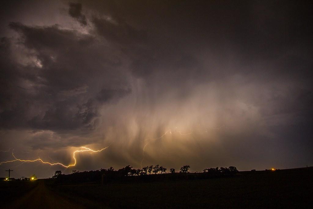 081615 - Kewl Nebraska CG Lightning & Krawlers