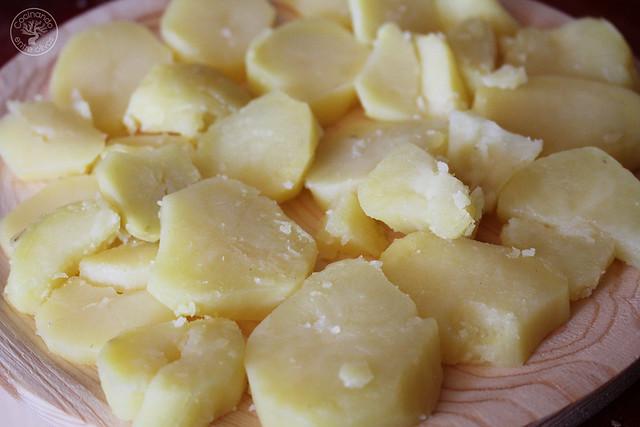 Como hacer pulpo a la gallega www.cocinandoentreolivos.com (12)