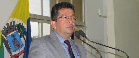 Sobrinho de ex-prefeito condenado tem memória seletiva, henderson pinto