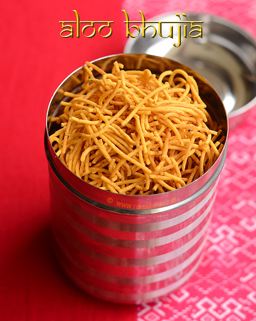 aloo-bhujia,-Potato-sev