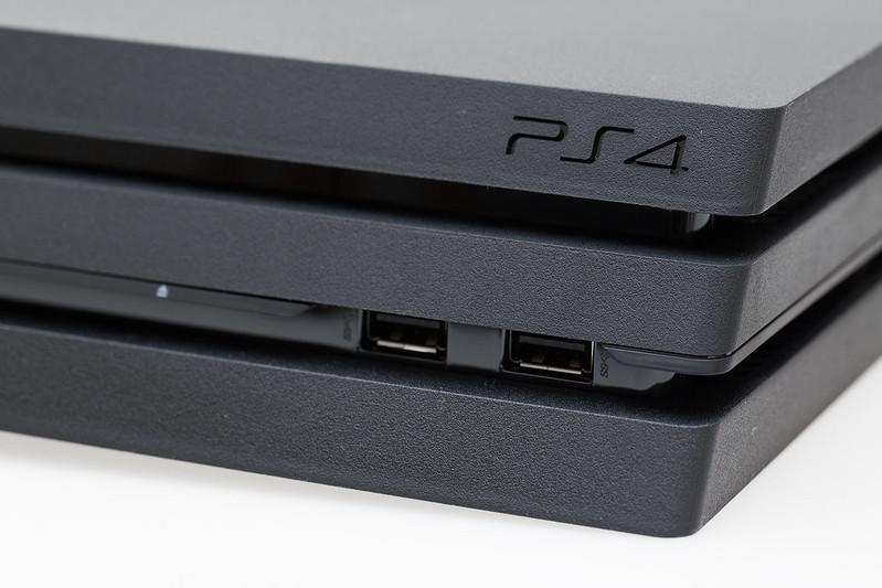 2016.11.11 Sony PlayStation 4 Pro
