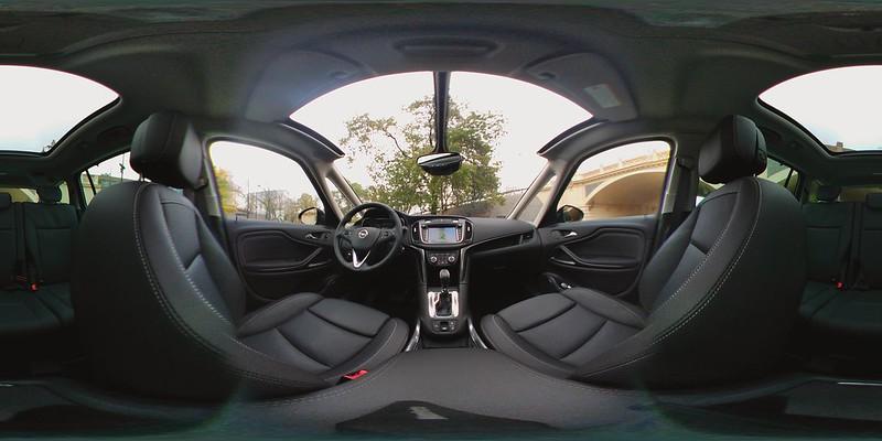 Nowy Opel Zafira - wnętrze