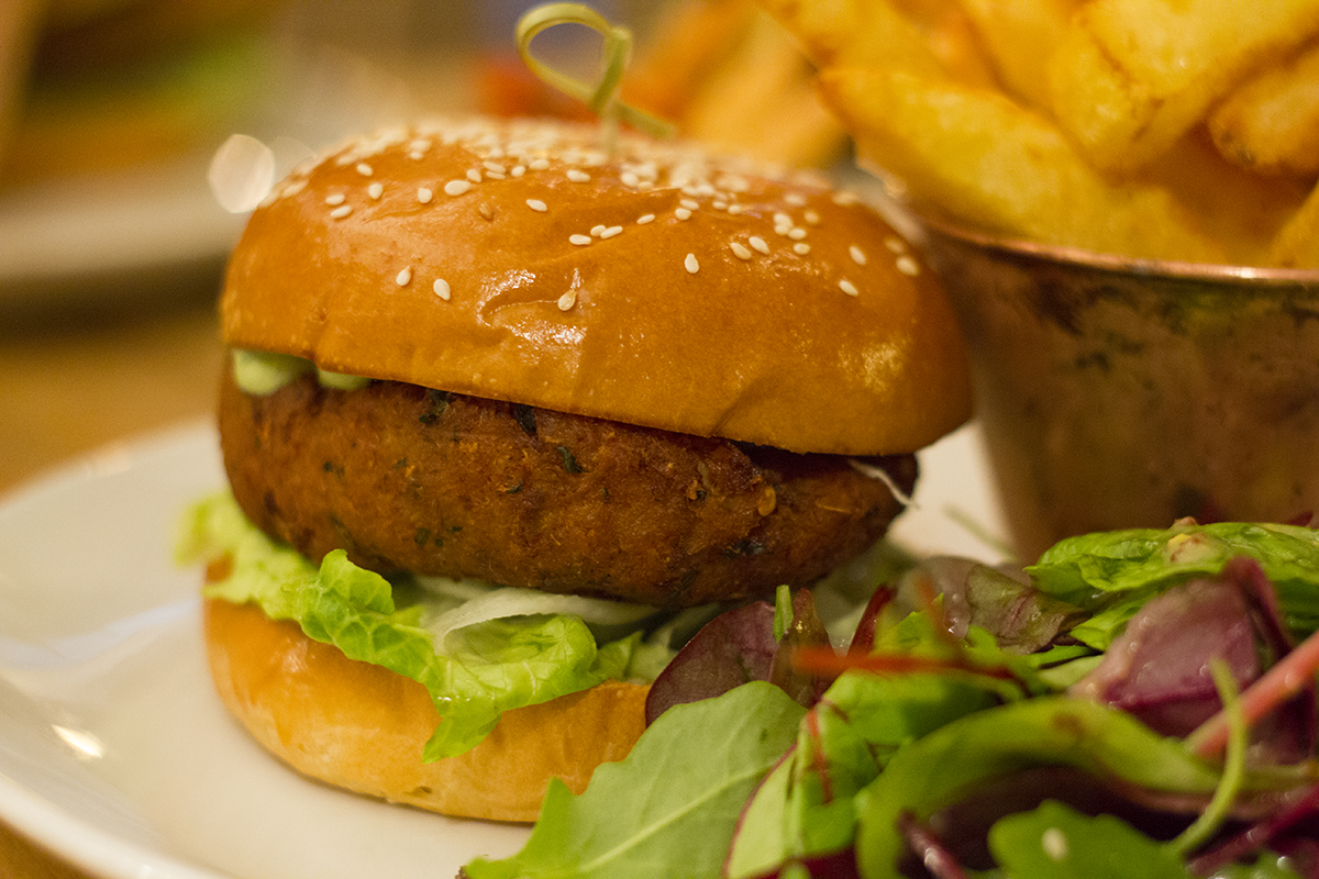crab-shrimp-burger-evelyns-manchester