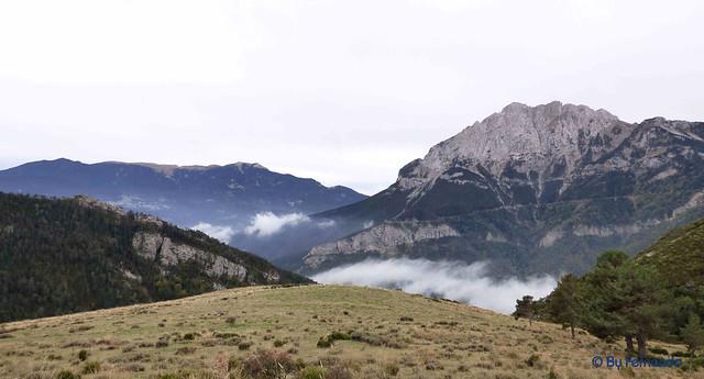 Saldes, Gresolet, Saldes -02- Por La Costa -02- Pedraforca, cara norte -03- Con la Serra de Encija (06-10-2016)