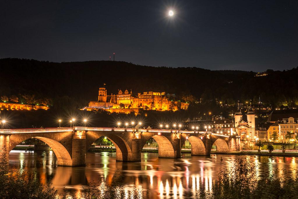Schloss und Alte Brücke bei Nacht in Heidelberg