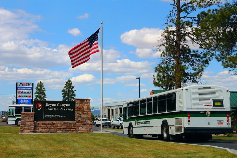 IMG_5021 Shuttle Bus