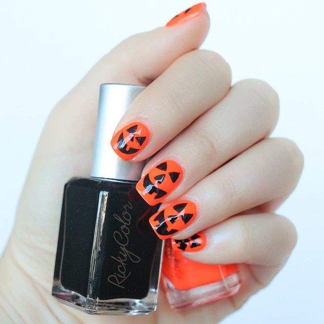 Jack-o-Lantern Pumpkin Halloween Nail Art Manicure