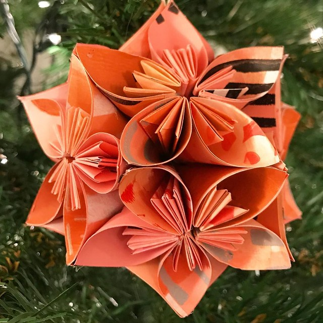 And the finished result #robayrekusudama made from #gelliarts printed paper #gelliprinting I'll post more to the blog shortly.