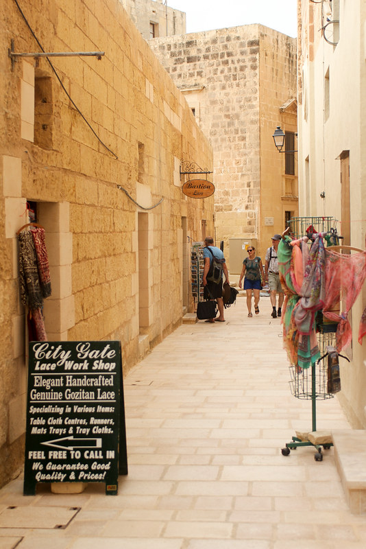The World In My Pocket - Trip to Gozo - narrow roads inside the cittadella of Rabat