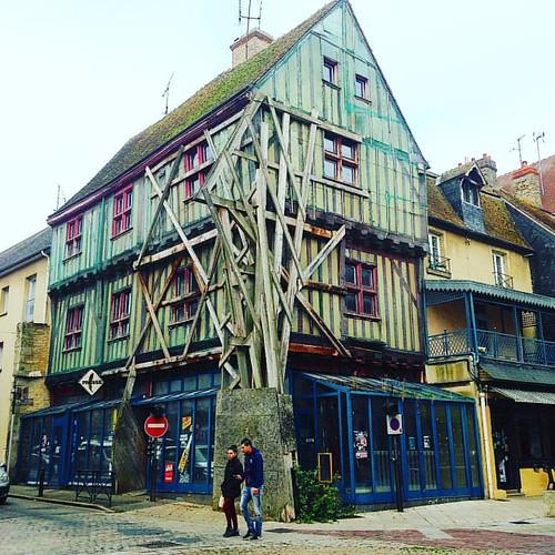 Rue de Fresnay