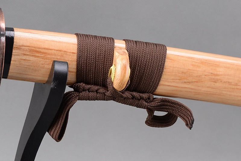 Golden-blade-samurai-sword-japanese-katana-hanging-cord