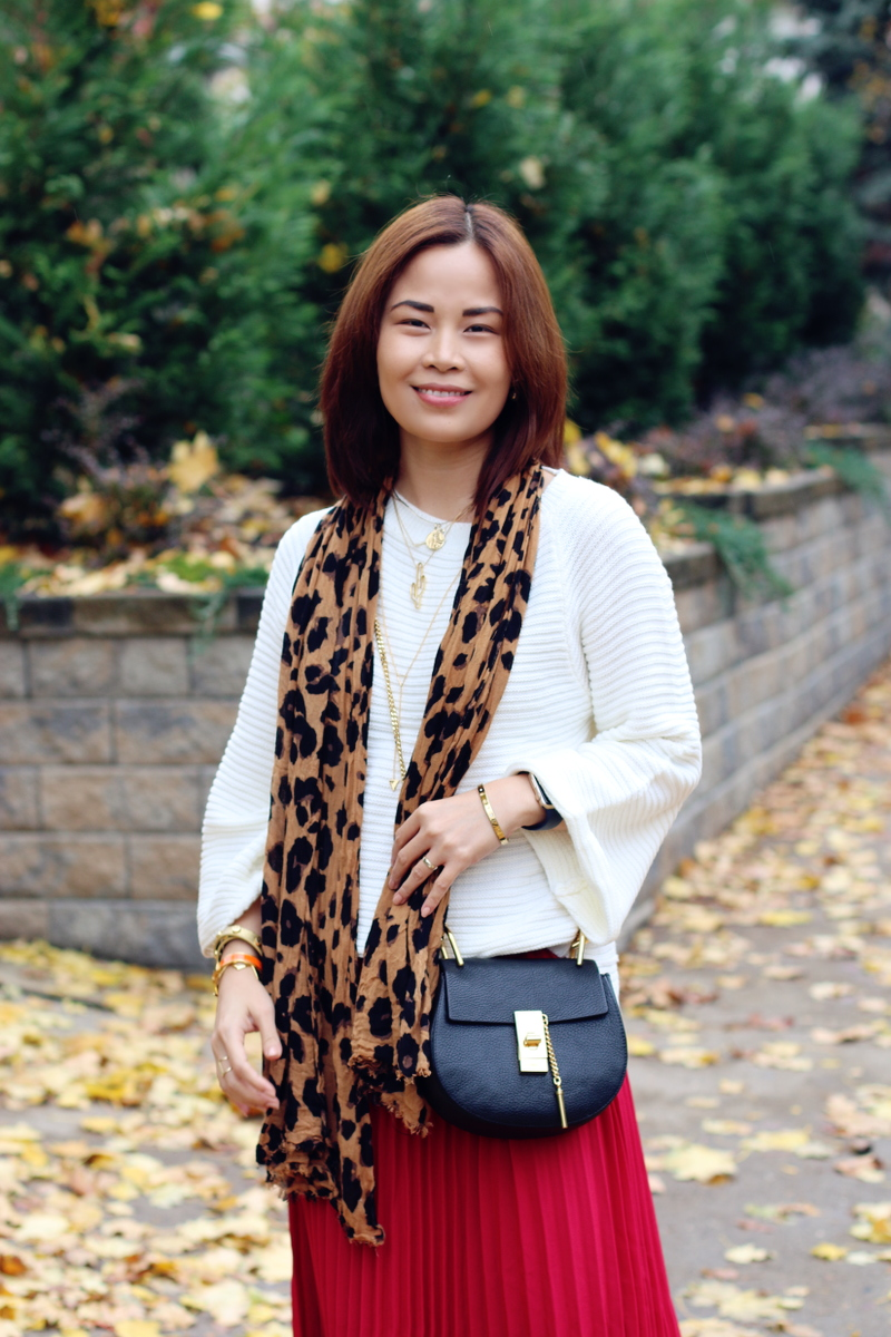 white-sweater-leopard-scarf-10