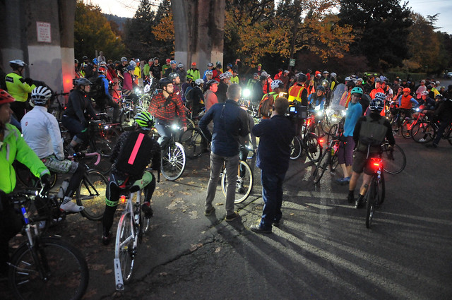 St Johns Bridge protest ride-16.jpg