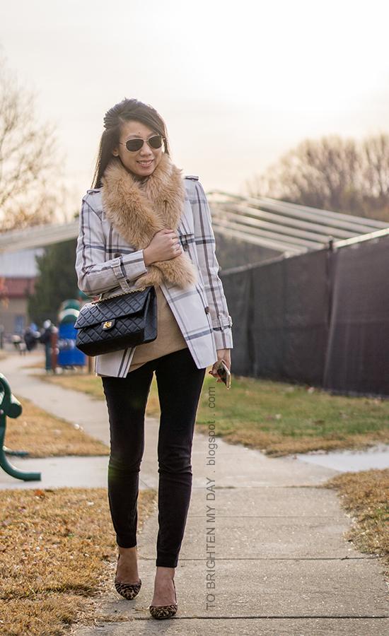 faux fur scarf, plaid short trench coat, camel tunic sweater, black skinny pants, black crossbody bag, leopard pumps