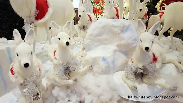 halfwhiteboy powerplant mall christmas decor 2016 06