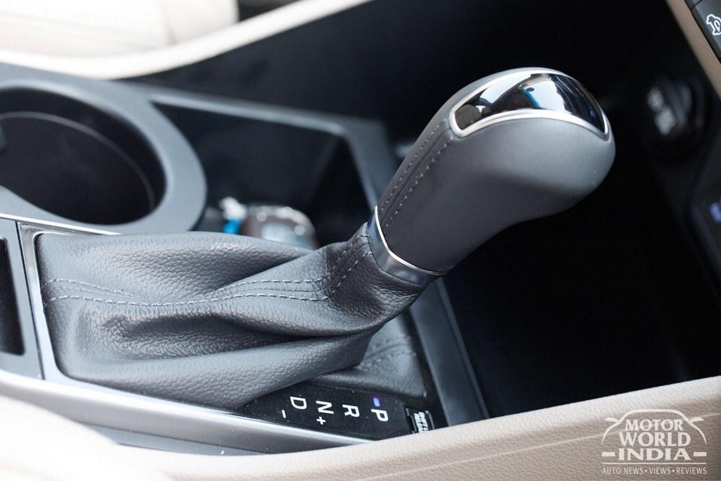 2016-Hyundai-Tucson-Gear-Lever