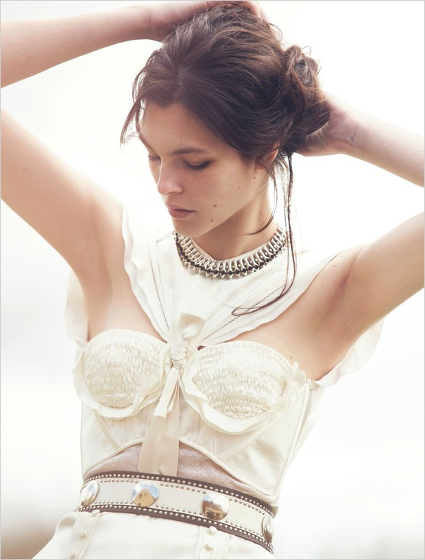 Vittoria-Ceretti-Vogue-China-David-Bellemere-08-620x816