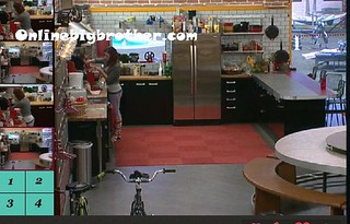 BB13-C4-8-9-2011-9_42_55.jpg | by onlinebigbrother.com