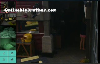 BB13-C2-7-15-2011-7_12_07.jpg | by onlinebigbrother.com