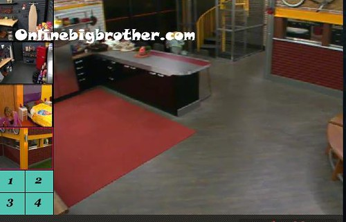 BB13-C4-9-9-2011-1_27_41.jpg | by onlinebigbrother.com