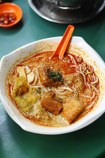 People's Park Hawker Center Laksa Noodle Soup | by Xiaolu // 6 Bittersweets