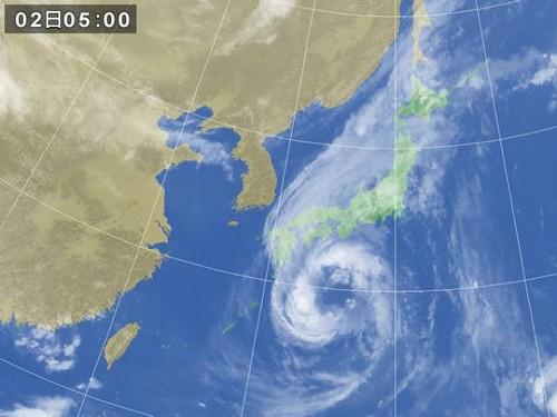 台風の動きは、かなり遅いですね。