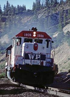 GP40 #1976, Stockton-Portola local, Apache Cyn(3)PS | by Captain Railroad
