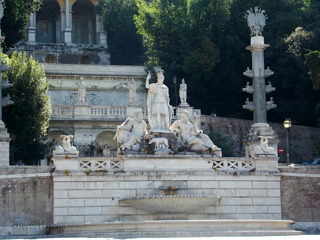 Fontana della Dea Roma - Piazza del Popolo / Roma Itália