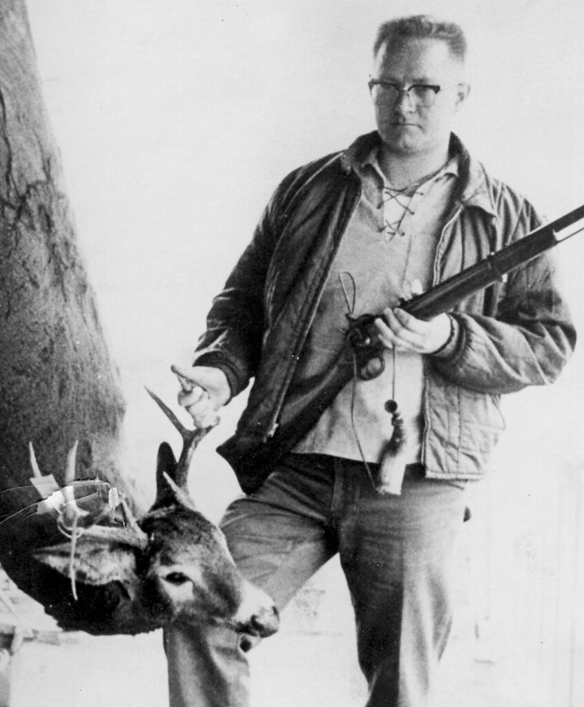 Dad_Deer_Muzzle_Loader_1970's